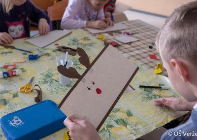 Peka prazničnih piškotov in izdelava novoletnih okraskov - OŠ Veržej 65