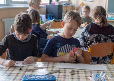 Peka prazničnih piškotov in izdelava novoletnih okraskov - OŠ Veržej 67